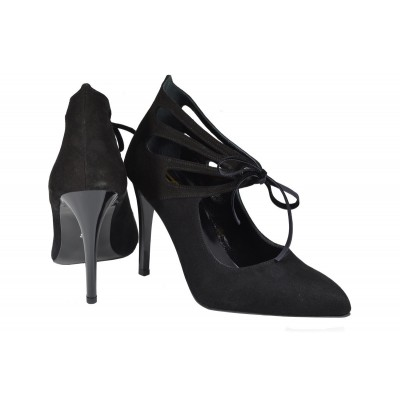 Lou pumps Viki