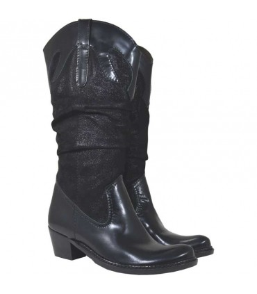 Lou boots Cassidy