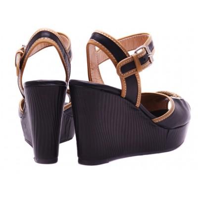 LOU sandals - RIHANNA!.
